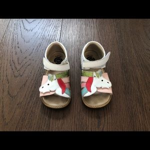 Other - GUC Livie and Luca Unicorn size 10